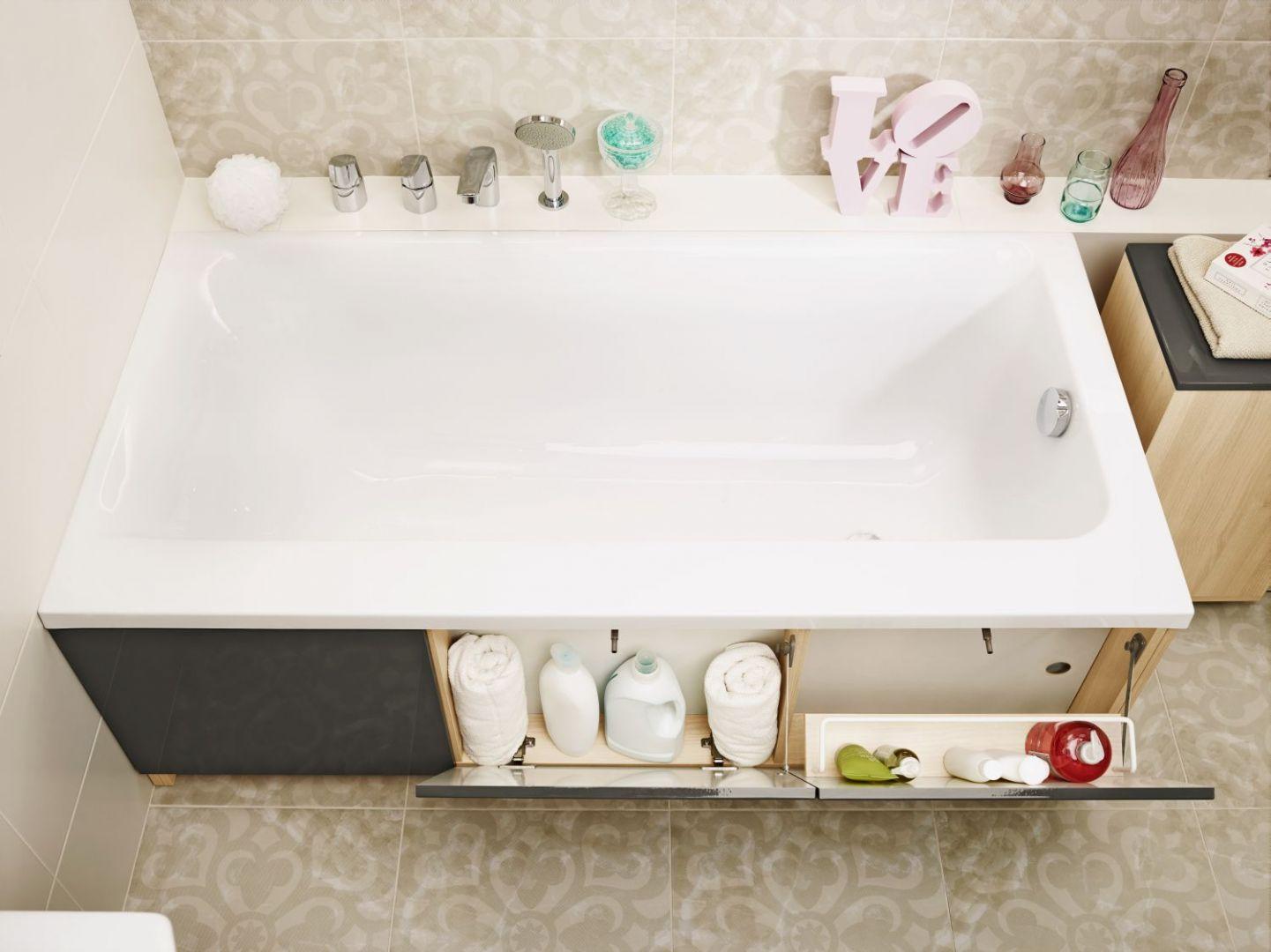 Wanna z zabudową Smart marki Cersanit ma praktyczny schowek, który pozwoli ukryć kosmetyki, detergenty czy drobne akcesoria. Fot. Cersanit