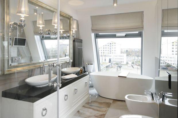 Styl klasyczny nigdy nie wychodzi z mody, dlatego ma swoich wiernych zwolenników. Zobaczcie jak urządzili oni łazienki w ponadczasowej klasycznej manierze.