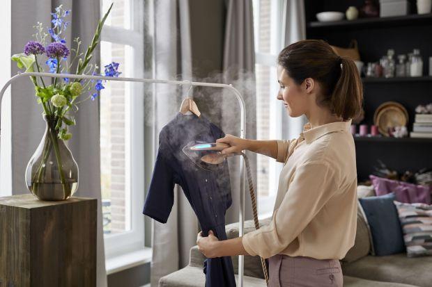 Dbasz o swój wizerunek i lubisz prezentować się doskonale w każdej sytuacji? Jeśli dotyczy to również Twojej garderoby, zapewne zależy Ci na eleganckich i uprasowanych ubraniach. Jak osiągnąć taki efekt w każdej sytuacji?