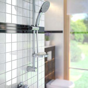 Komfortowa strefa prysznica: natrysk przesuwny 3-funkcyjny Doppio VerdeLine. Fot. Ferro