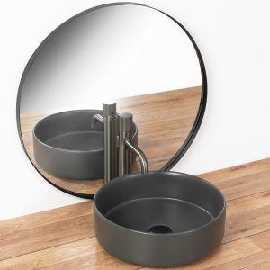 Nowoczesna i funkcjonalna umywalka nablatowa SAMI GREY MAT, do montażu na blacie lub szafce; wykonana z wysokogatunkowej ceramiki sanitarnej. Fot. Rea
