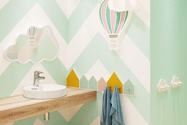 Kolor coraz śmielej wkracza do naszych łazienek. Dziś mamy dla Was kilka propozycji w orzeźwiających odcieniach zieleni i błękitów - w sam raz na panujące upały!
