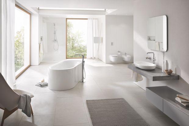 Wraz z rosnącą popularnością koncepcji łazienki jako salonu kąpielowego, coraz większym uznaniem cieszą się wolnostojące baterie wannowe. Zobaczcie 5 eleganckich modeli.