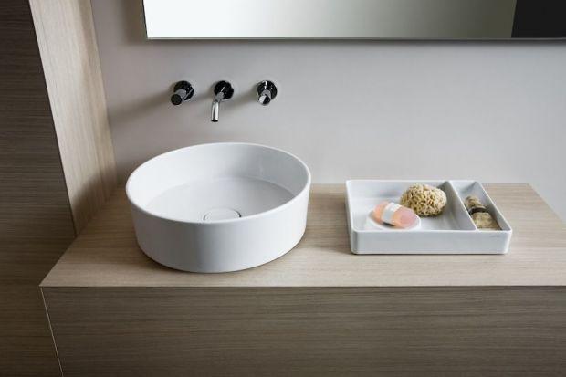 Firmy z branży łazienkowej chętnie podejmują współprace ze znanymi designerami, oferując swoim klientom produkty o wyjątkowym wzornictwie. Zobaczcie baterie zaprojektowane przez ikony designu.