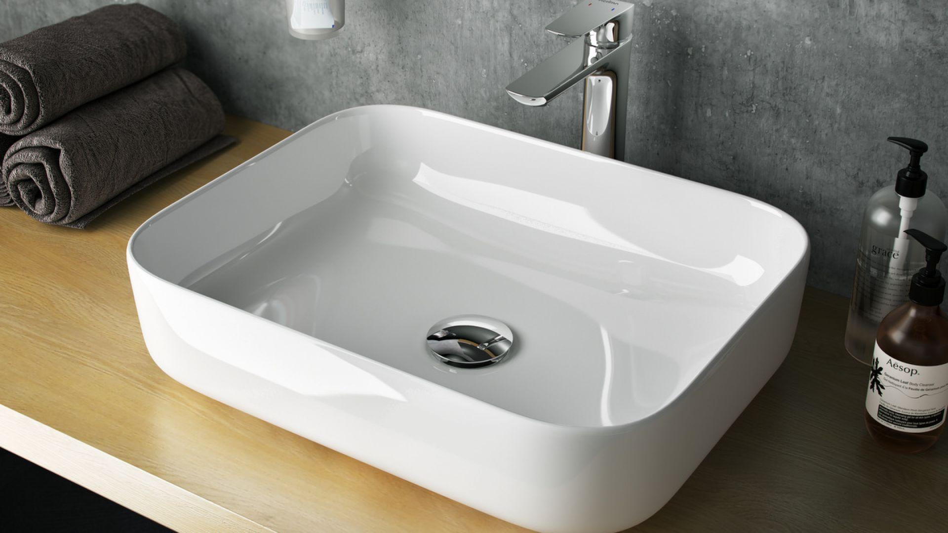 Nablatowa umywalka Cori 51 z cienkim rantem, o uniwersalnym wzorze zaokrąglonego prostokąta. Fot. Excellent