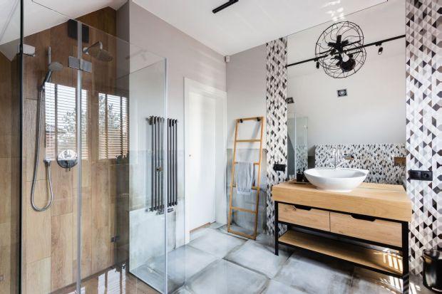 Styl loft od kilku już lat jest jedną z najpopularniejszych tendencji aranżacyjnych. Zobaczcie inspiracje od producentów i projektantów, jak wprowadzić go do łazienki.