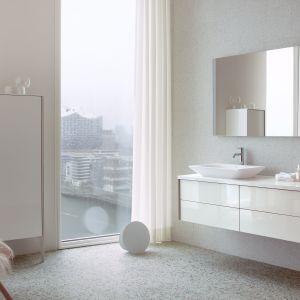 Nowoczesne meble łazienkowe z kolekcji XViu marki Duravit. Fot. Duravit