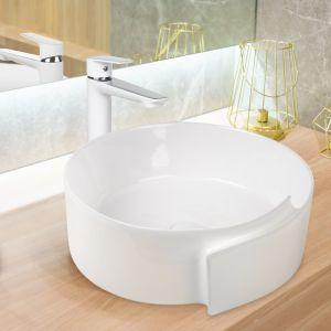 Strefa umywalki z umywalką nablatową Dokos. Fot. Invena