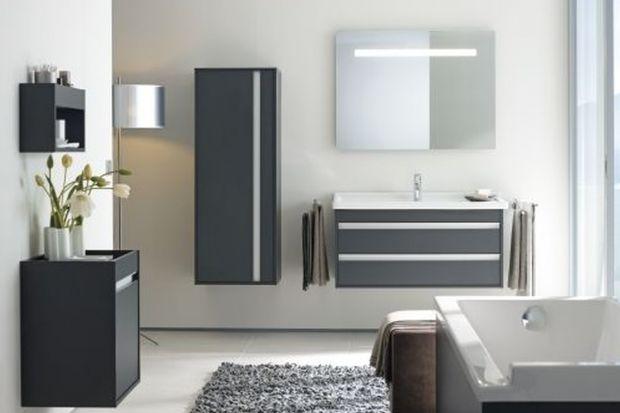 Producenci gotowych mebli łazienkowych oferują coraz atrakcyjniejsze rozwiązania. Zobaczcie linie znanej marki w segmencie economy.
