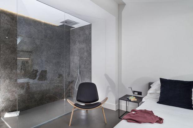 Spieki kwarcowe to trwały i elegancki materiał, chętnie wykorzystywany w aranżacji łazienek. Zobacz jak wyglądają we wnętrzach włoskiego hotelu.