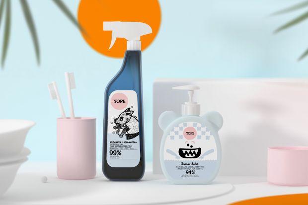 Łazienka to miejsce szczególnie narażone na bakterie i zarazki. Aby utrzymać w niej higienę warto sięgnąć po antybakteryjne płyny, które pomogą utrzymać w czystości najbardziej newralgiczne powierzchnie.