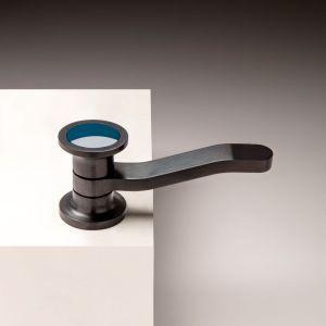 Bateria umywalkowa z serii JK21 marki Zazzeri. Fot. Zazzeri