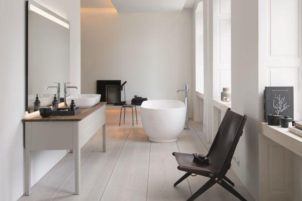 Biała łazienka nie musi być zawsze taka sama! Istnieje wiele sposób na urządzenie łazienki w bieli - prezentujemy pięć najciekawszych.