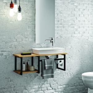 Pomysł na białą łazienkę w stylu industrialnym.  Idealnie sprawdzi się minimalistyczny komplet umywalki i podwieszanego blatu łazienkowego z wyraźnie zaakcentowanymi czarnymi łączeniami od marki Decotec. Fot. Materiały prasowe Greston
