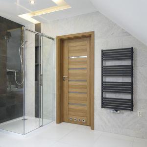 Nowoczesna strefa prysznica. Proj. Małgorzata Mazur. Fot. Bartosz Jarosz