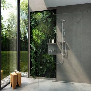 Minimalistyczna łazienka. Na zdjęciu zestaw natryskowy przesuwny z deszczownią AmigaVerde Line. Fot. Ferro