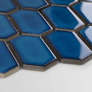 Mozaika ceramiczna Heksalong Głębia Oceanu. Fot. Raw Decor