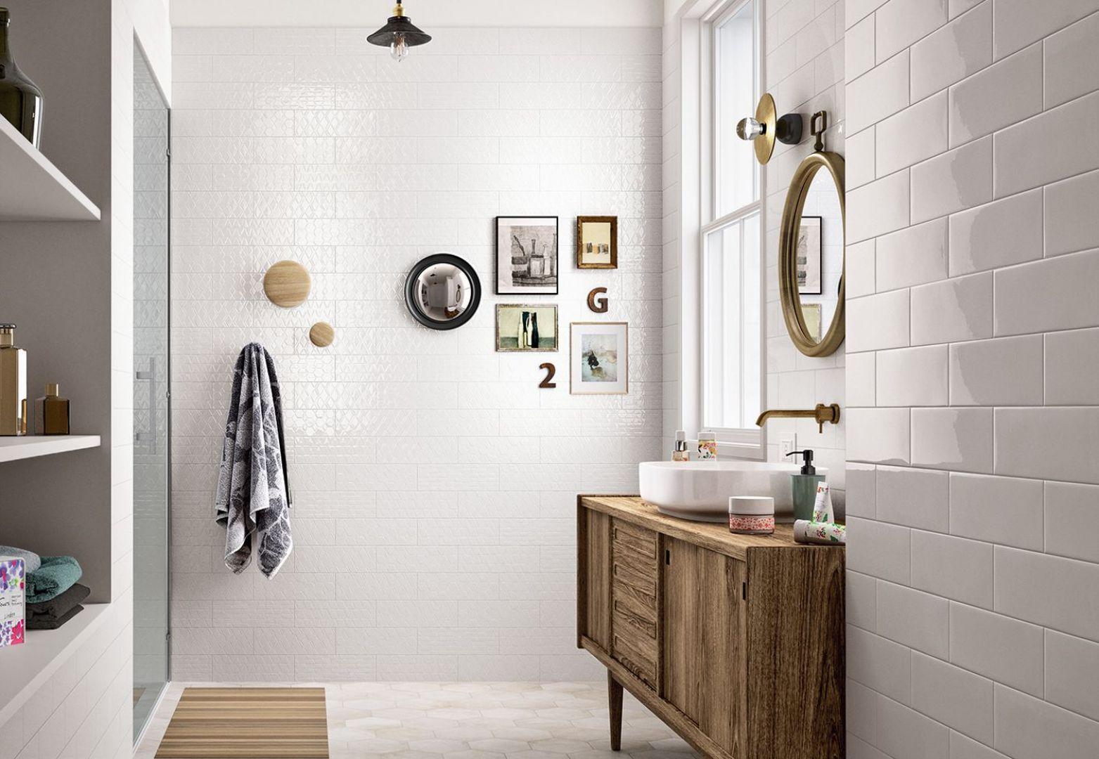 Aranżacja łazienki z płytkami jak kafle z kolekcji Clays marki Marazzi. Fot. Marazzi