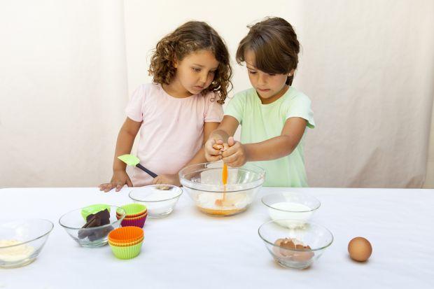Masz ochotę na coś słodkiego? Zrób to sam. Polecamy formy do ciastek i ciasteczek, dzięki którym pieczenie stanie się także świetną zabawą.