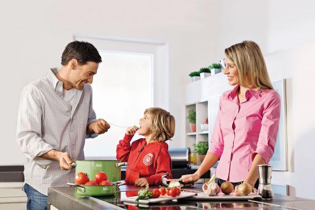 Zielone, czerwone, żółte, turkusowe, a może bardziej nowoczesne w kolorze stali? Takie mogą być garnki w Waszej kuchni. Zobaczcie sami.