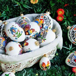 Jajka ze wzorem łowickim. Cena: 20-54 zł.