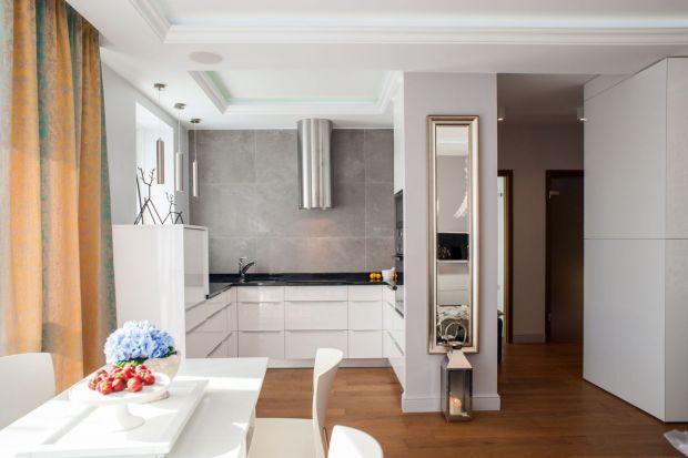 Jak maksymalnie zagospodarować przestrzeń kuchni? Z pomocą przyjdą zasady ergonomii. Zobaczcie gotowe projekty typu U i G.