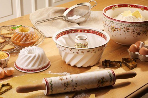 Na świątecznym stole nie może zabraknąć lukrowanych pierniczków. Są one nie tylko apetycznym kąskiem, ale też przepiękna ozdobą.