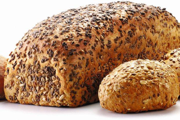 Domowy chleb z oliwkami i pomidorami – gotowy przepis