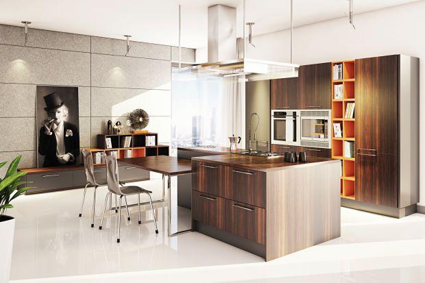 Czy warto wybrać ciemne meble kuchenne? Poznajcie opinię architekta.