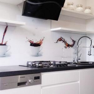Na zdjęciu: panel szklany wykonany przez firmę Colour Glass; możliwość realizacji z dowolną grafiką. Fot. Colour Glass.