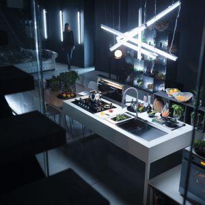 Zlewozmywak, płyta grzewcza i piekarnik z linii CRYSTAL BLACK - wyjątkowe połączenie elegancji z innowacyjną technologią, które idealnie sprawdza się w przestrzeni kuchennej, subtelnie łączącej się z salonem. Franke.