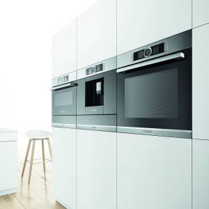Nowa platforma AGD do zabudowy SERIE | 8 to produkty najlepszej jakości, które łączy ten sam sposób wykonania. Powłoka ze stali szlachetnej, nowatorski panel sterowania w kształcie interaktywnego pierścienia sterującego oraz główne tworzywo jakim jest szkło. Bosch