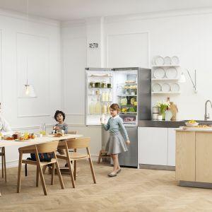 Urządzenia z linii CHEF COLLECTION wyróżniają się minimalistycznym designem. Powstały w odpowiedź na potrzeby wymagających odbiorców, którzy dbają o każdy etap przygotowywania potraw. Samsung