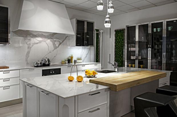 Kuchnia w stylu nowojorskim z marmurem w roli głównej