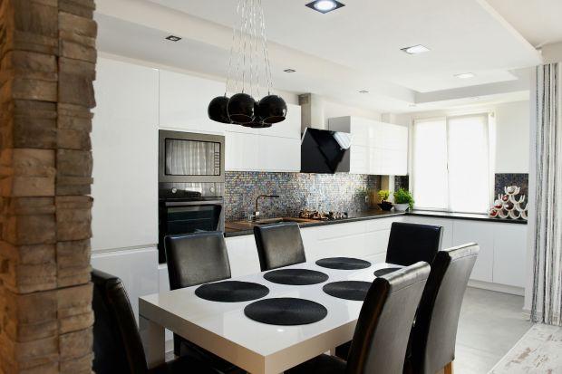 Moda na biały stół w kuchni – hit czy kit?