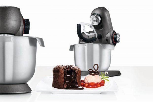 Ambasadorem wielozadaniowych robotów kuchennych Bosch został Mateusz Gessler. Z tej okazji marka prezentuje nową promocję. Zakup urządzenia z linii MaxxiMUM, MUM5 oraz MUM4 premiowany jest zwrotem gotówki do 250 złotych. Akcja potrwa do końca grud