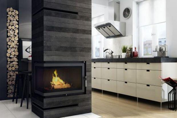 Możesz cieszyć się tańczącymi płomieniami w każdym zakątku Twojego domu. I nie tylko. W modzie są też kominki zewnętrzne!