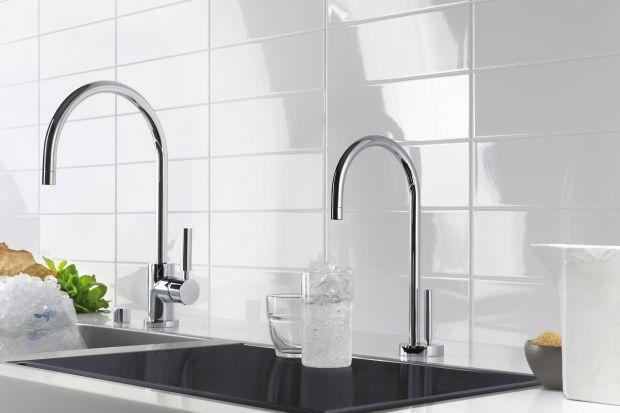 Filtrowana gorąca lub zimna woda dostępna natychmiast – za naciśnięciem dźwigni.