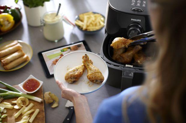 Przyrządzanie posiłków dla jednej osoby nie musi być męczące i frustrujące. Godziny spędzone w kuchni, a potem jedzenie tych samych dań przez kolejne kilka dni z rządu lub odgrzewanie gotowych niezdrowych dań zawierających konserwanty i sztucz