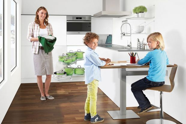 Jedzmy w kuchni, czyli jak funkcjonalnie urządzić jadalnię w przestrzeni kuchennej