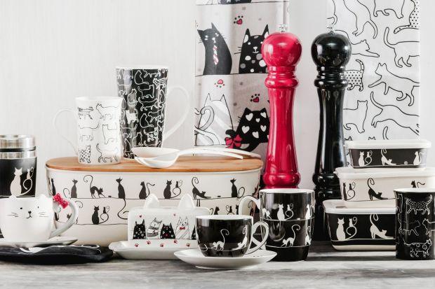 Czarno-biała kuchnia jest ponadczasowa. Dzięki zaledwie dwóm, ale kontrastującym ze sobą barwom, wnętrze zachowa świeżość i elegancję nawet pomimo zmieniających się trendów oraz upływu lat.