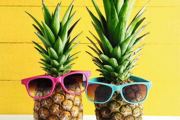 Owoce to jedne z najmodniejszych tego lata motywów aranżacyjnych. Zobaczcie najlepsze pomysły na dekoracje do kuchni i jadalni z motywem owoców.
