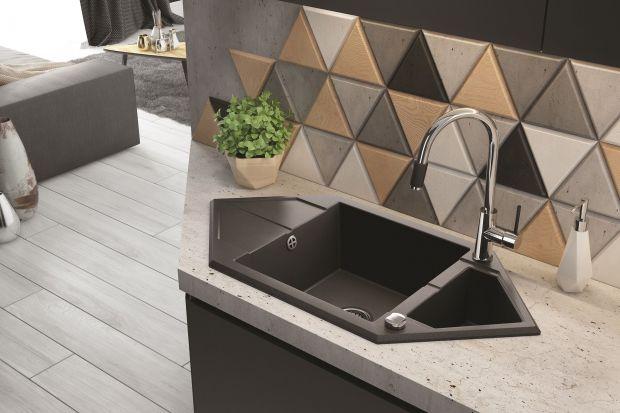 Trójkąty, heksagony, oktagony – nowoczesne kuchnie wręcz kochają geometryczne kształty! Zagościły w nich już wielokątne płytki, półki, podkładki, nawet talerze. Teraz firma Deante proponuje… zlewozmywaki!