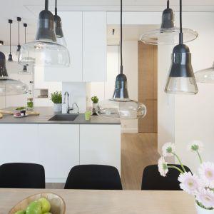 12 pomysłów na oświetlenie w kuchni. Projekt Katarzyna Kiełek, Agnieszka Komorowska-Różycka. Fot. Bartosz Jarosz.