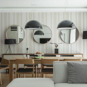 Jadalnia między kuchnią a salonem. Projekt MAFGROUP