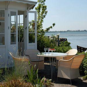 Jadalnia w ogrodzie. 7 pomysłów na urządzenie