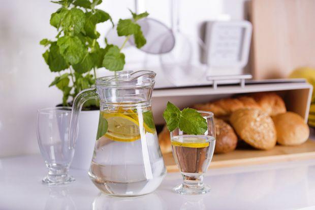 Coś dla ochłody – co pić i w czym podawać?  Praktyczny przegląd dzbanków na zimne napoje