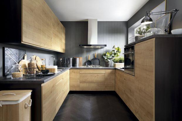 Kuchnia w bloku nie musi być nudna. Charakteru dodadzą jej zdobne fronty. Do wyboru mamy wiele dekorów oraz zróżnicowane materiały.