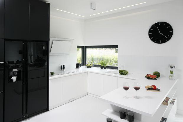 Biała kuchnia z czernią. 20 pięknych zdjęć