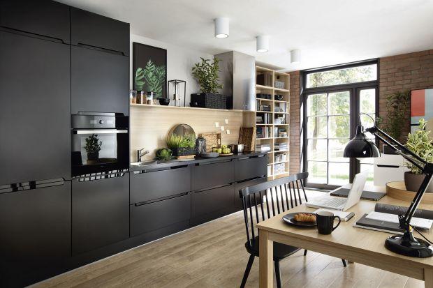 Ciemna kuchnia. 5 pomysłów na meble